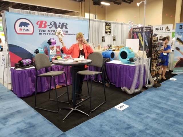 B-Air Pet Division at Superzoo 2017